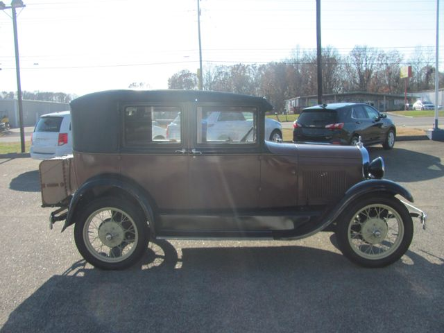 1928 Ford A LEATHER BACK Dickson, Tennessee 2