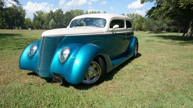 1937 Ford SEDAN HOT ROD Valley Park, Missouri 1