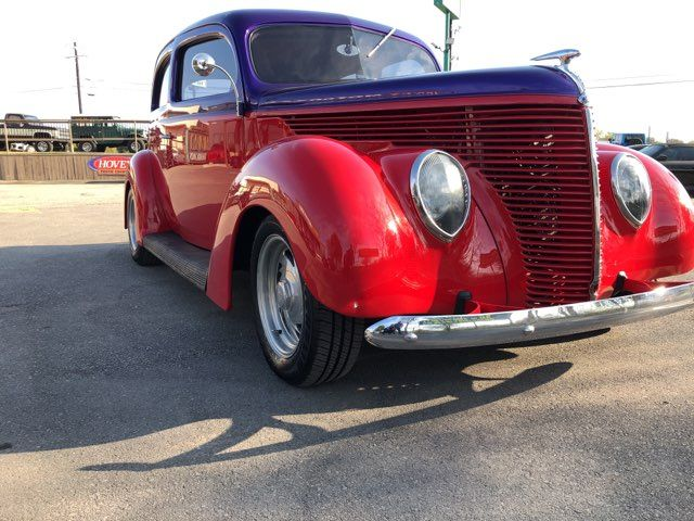 1938 Ford Restromod  2 Door Humpback Boerne, Texas 4