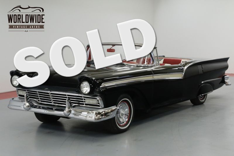 1957 Ford FAIRLANE SYKLINER RARE CONVERTIBLE HARD TOP. 312 V8! AUTOMATIC  | Denver, CO | Worldwide Vintage Autos