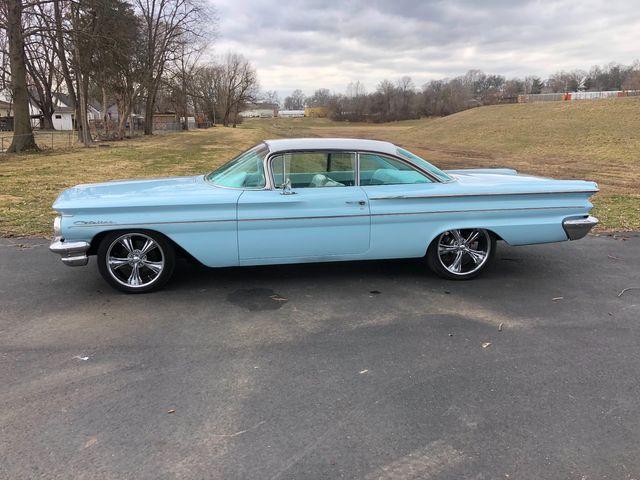 1960 Pontiac CATALINA RESTOMOD IMPALA BUBBLETOP LS POWER TURBOCHARGED in Valley Park, Missouri 63088