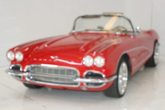 1961 Chevrolet CORVETTE Houston, Texas 2