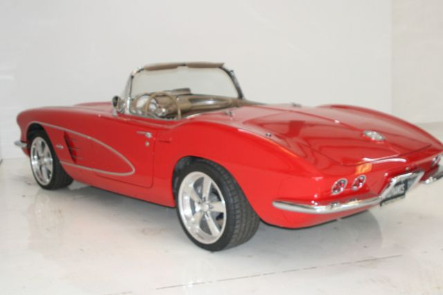 1961 Chevrolet CORVETTE Houston, Texas 14