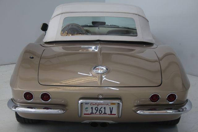 1961 Chevrolet CORVETTE Custom Restomod Houston, Texas 16