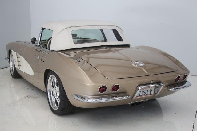 1961 Chevrolet CORVETTE Custom Restomod Houston, Texas 17