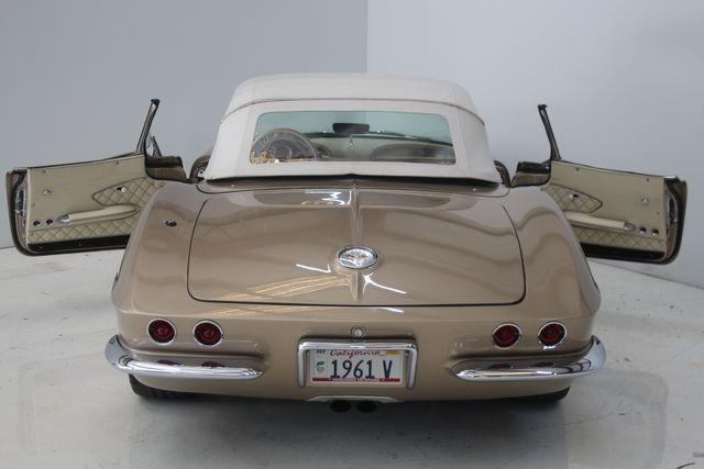 1961 Chevrolet CORVETTE Custom Restomod Houston, Texas 21