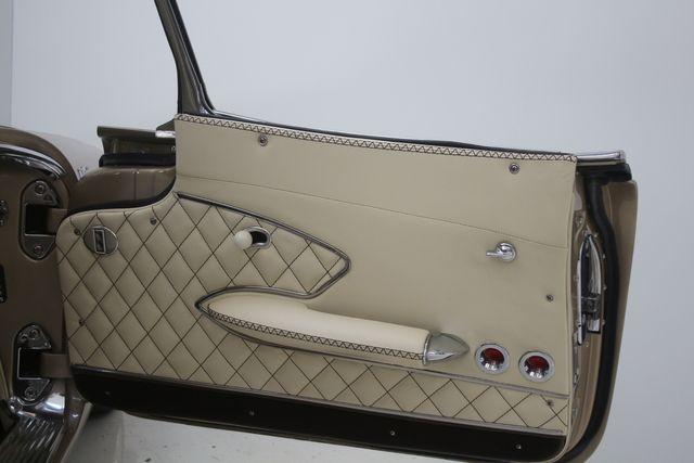 1961 Chevrolet CORVETTE Custom Restomod Houston, Texas 28