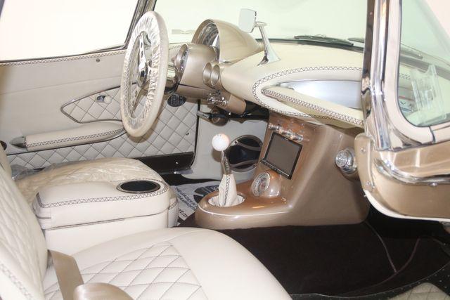 1961 Chevrolet CORVETTE Custom Restomod Houston, Texas 29