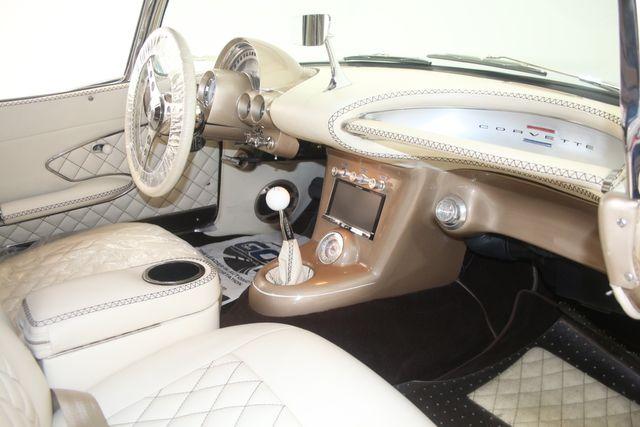 1961 Chevrolet CORVETTE Custom Restomod Houston, Texas 30