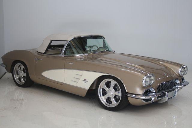 1961 Chevrolet CORVETTE Custom Restomod Houston, Texas 5