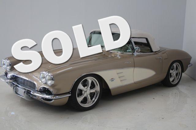 1961 Chevrolet CORVETTE Custom Restomod Houston, Texas 0