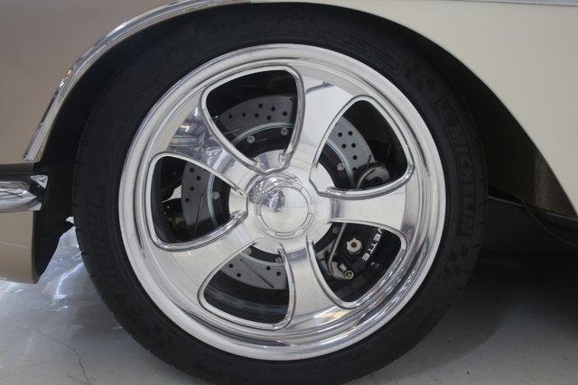 1961 Chevrolet CORVETTE Custom Restomod Houston, Texas 8