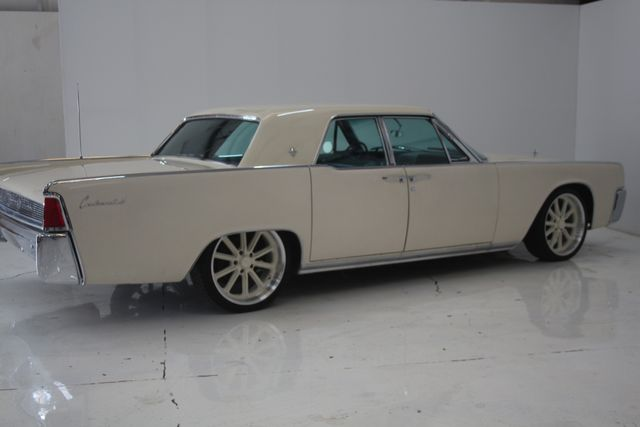 1961 Lincoln CONTINENTAL Suicide Door Houston, Texas 12