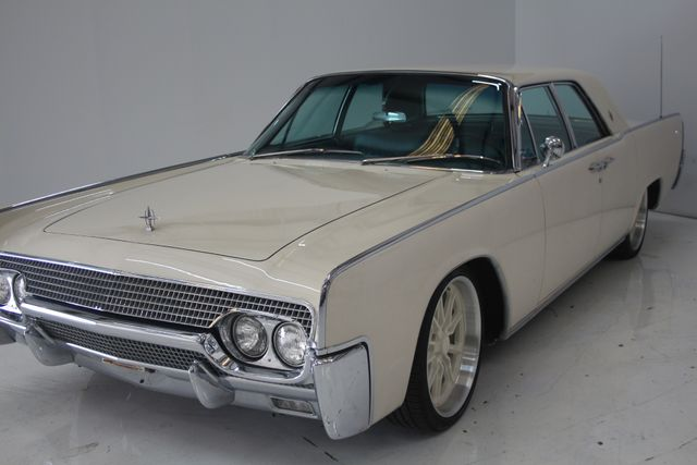 1961 Lincoln CONTINENTAL Suicide Door Houston, Texas 4