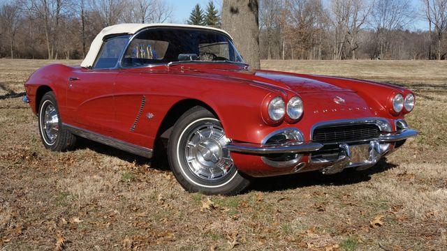 1962 Chevrolet CORVETTE ROADSTER Valley Park, Missouri 5