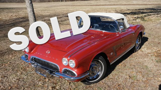 1962 Chevrolet CORVETTE ROADSTER Valley Park, Missouri 0