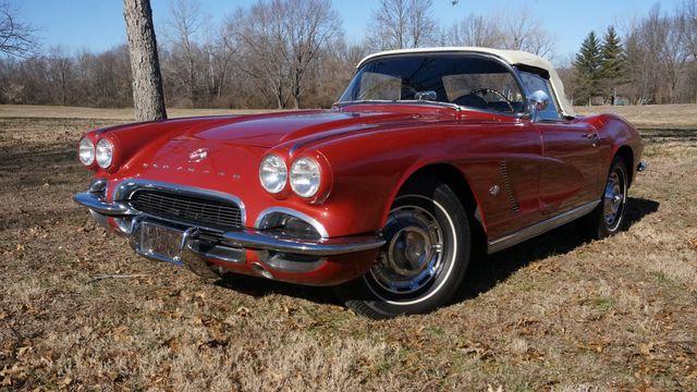 1962 Chevrolet CORVETTE ROADSTER Valley Park, Missouri 1