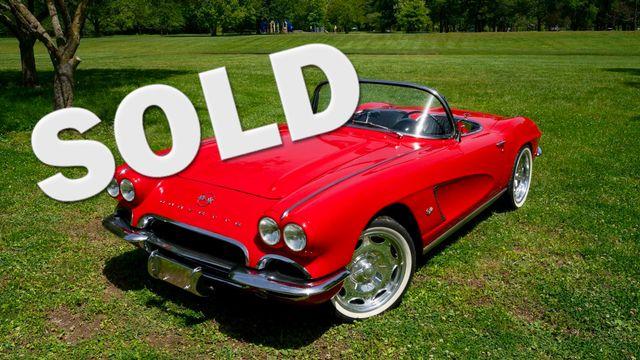 1962 Chevrolet CORVETTE ROADSTER Valley Park, Missouri