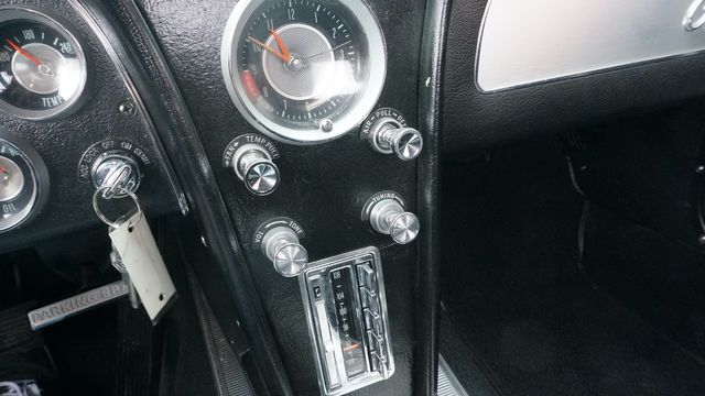 1963 Chevrolet CORVETTE FUEL INJECTED RESTOMOD Valley Park, Missouri 31