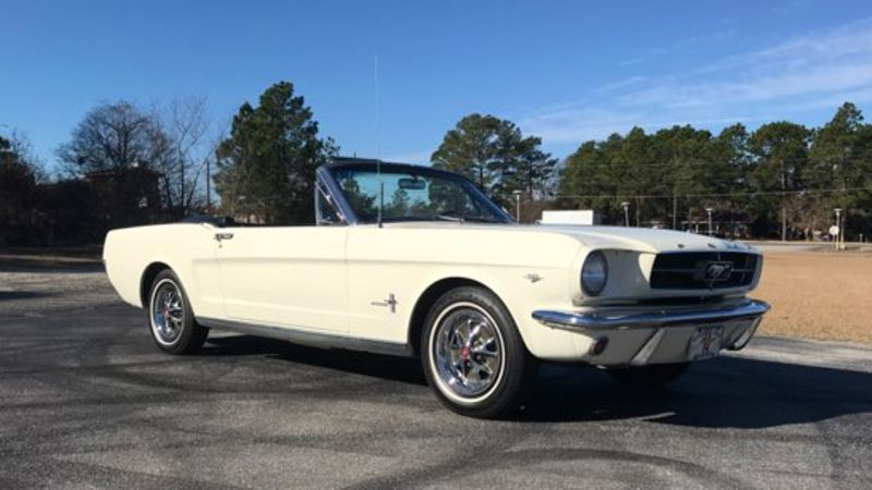 1965 Ford MUSTANG 289 V8  in Hope Mills, NC
