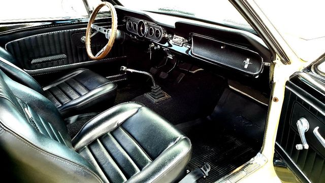 1965 Ford MUSTANG 302 5-SPEED COUPE Phoenix, Arizona 12