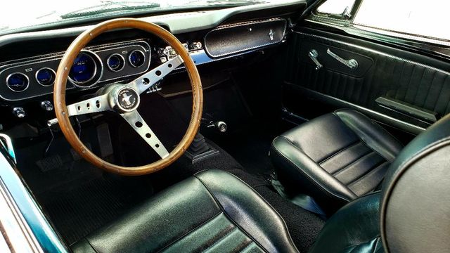 1965 Ford MUSTANG 302 5-SPEED COUPE Phoenix, Arizona 8