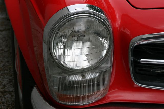 1965 Mercedes-Benz 230 SL Houston, Texas 8