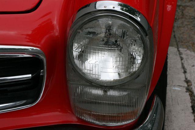 1965 Mercedes-Benz 230 SL Houston, Texas 9