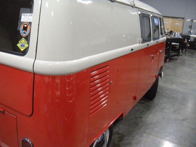 1965 Volkswagen TRANSPORTER 211 CAMPER VAN Chesterfield, Missouri 4