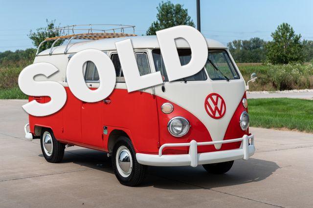 1965 Volkswagen TRANSPORTER 211 CAMPER VAN in Chesterfield, Missouri 63005