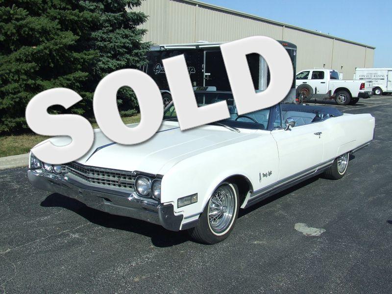 1966 Oldsmobile 98    Mokena, Illinois   Classic Cars America LLC in Mokena Illinois