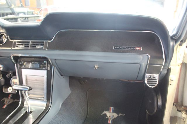 1968 Ford Mustang   GT Clone 302 V8 La Jolla, California 105