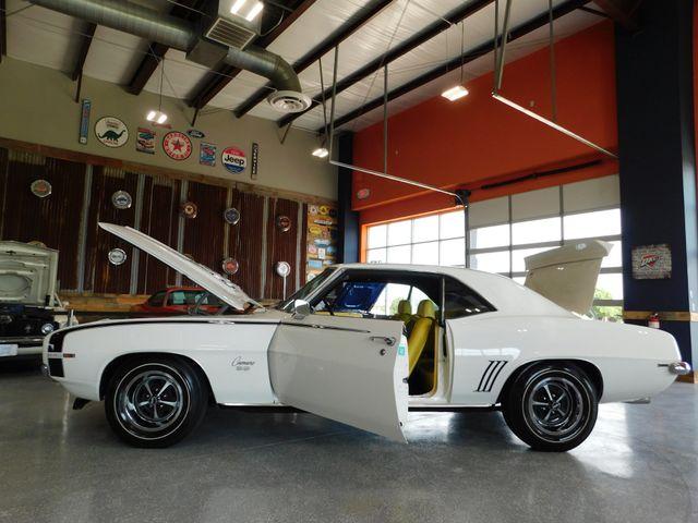 1969 Chevrolet CAMARO in Mustang, OK 73064