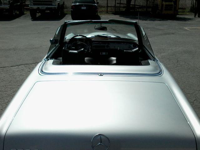 1969 Mercedes-Benz 280SL Roadster Boerne, Texas 18