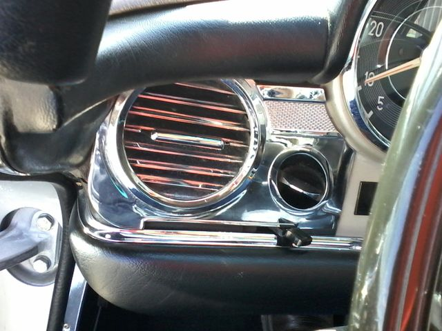 1969 Mercedes-Benz 280SL Roadster Boerne, Texas 32