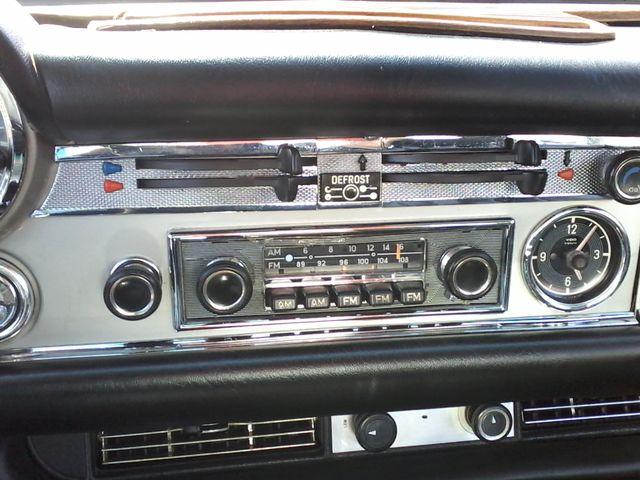 1969 Mercedes-Benz 280SL Roadster Boerne, Texas 34