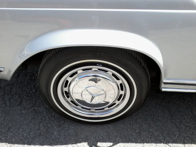 1969 Mercedes-Benz 280SL Roadster Boerne, Texas 53