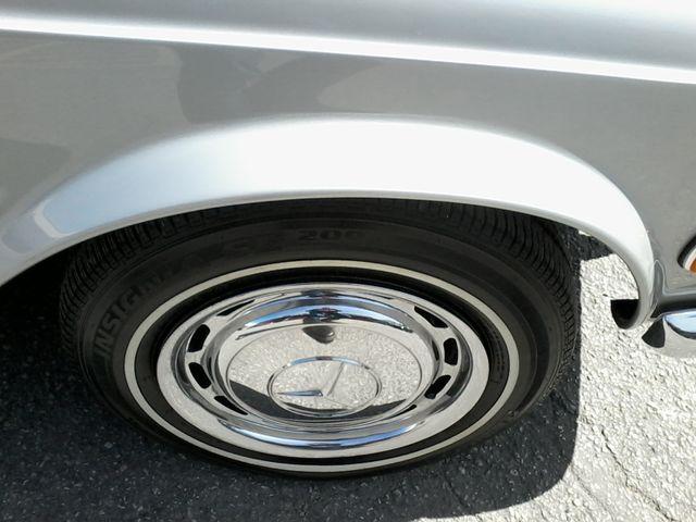 1969 Mercedes-Benz 280SL Roadster Boerne, Texas 54