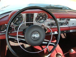 1969 Mercedes Benz 280SL PAGODA CONVERTIBLE Chesterfield, Missouri 11