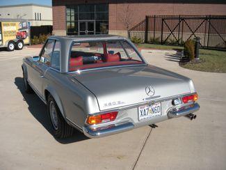 1969 Mercedes Benz 280SL PAGODA CONVERTIBLE Chesterfield, Missouri 2