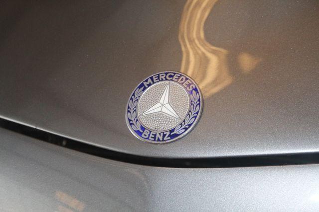 1970 Mercedes-Benz SL280 PAGODA Custom Restoration Houston, Texas 13
