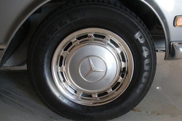 1970 Mercedes-Benz SL280 PAGODA Custom Restoration Houston, Texas 14