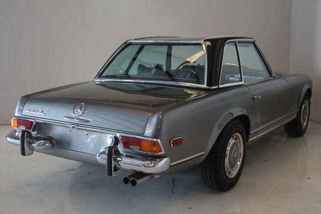 1970 Mercedes-Benz SL280 PAGODA Custom Restoration Houston, Texas 17