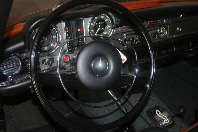 1970 Mercedes-Benz SL280 PAGODA Custom Restoration Houston, Texas 29