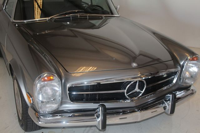 1970 Mercedes-Benz SL280 PAGODA Custom Restoration Houston, Texas 6