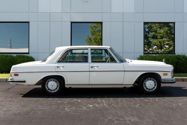 1971 Mercedes Benz 280SE sedan Chesterfield, Missouri 6