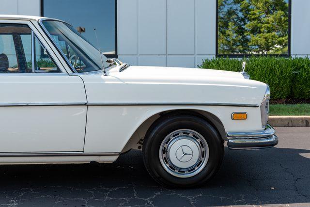 1971 Mercedes Benz 280SE sedan Chesterfield, Missouri 10