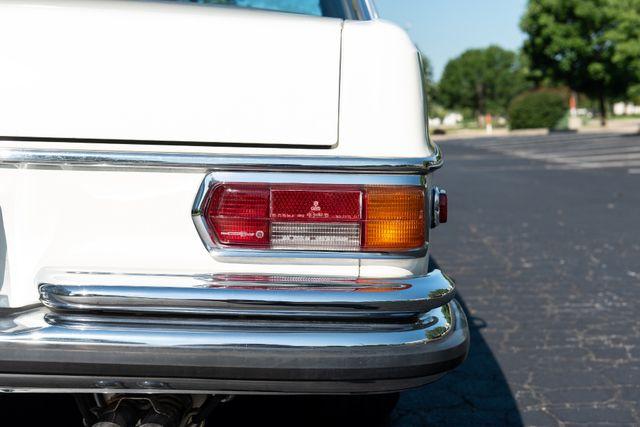1971 Mercedes Benz 280SE sedan Chesterfield, Missouri 19