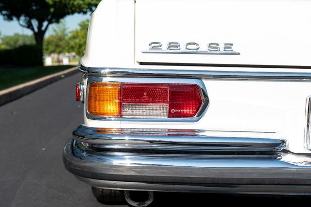 1971 Mercedes Benz 280SE sedan Chesterfield, Missouri 20