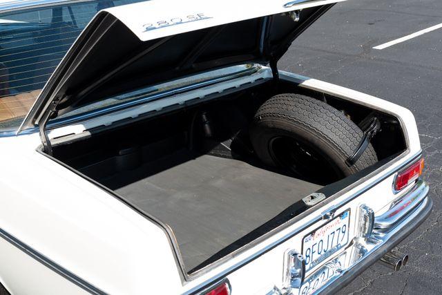 1971 Mercedes Benz 280SE sedan Chesterfield, Missouri 32